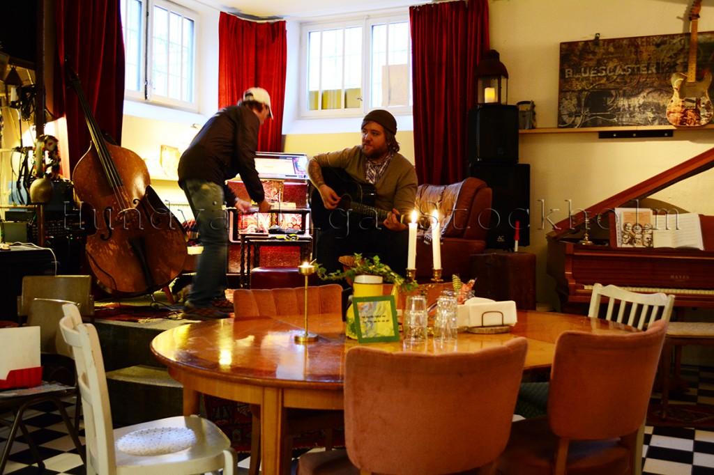 Live musik på Rost café